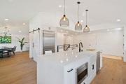 fjztzlda-ue-barndoor-shakerdoor-kitchen-shiplap-743mul-4-modernfarmhouse-sm-lg