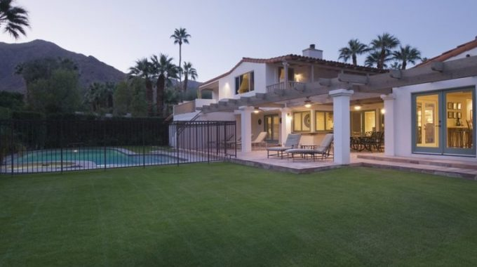 Doors And Windows For A New Look For Home In Palm Springs